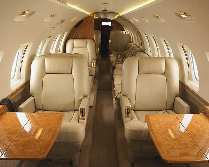 Hawker - private jets - air charter - charter flight
